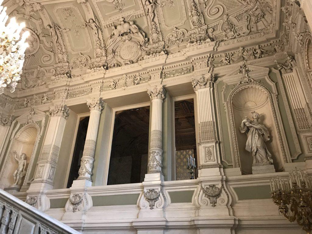 palaces St Petersburg