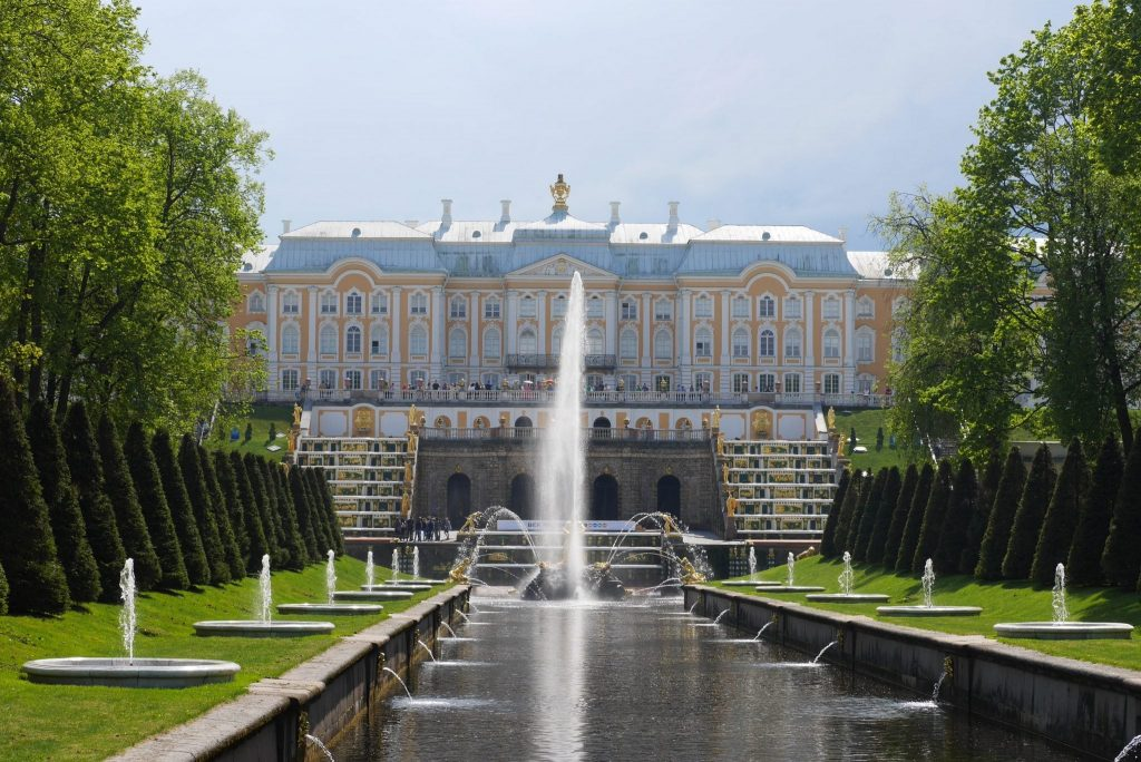 palaces in St Petersburg